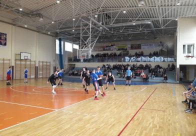 Półfinał wojewódzki licealiady w koszykówce chłopców.